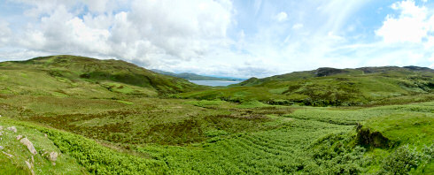Picture of a panoramic view over a wide glen (valley), Glen Logan on Islay