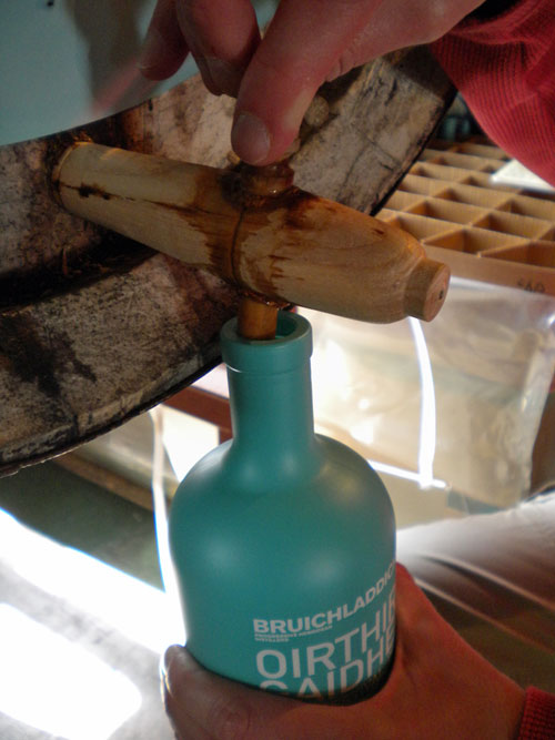 Picture of a Bruichladdich Valinch bottle being filled